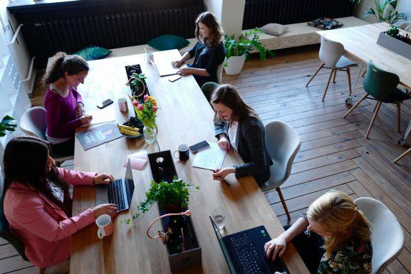 5 raisons de s'installer dans un espace pluridisciplinaire